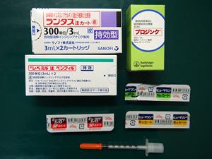 インスリン製剤と注射器